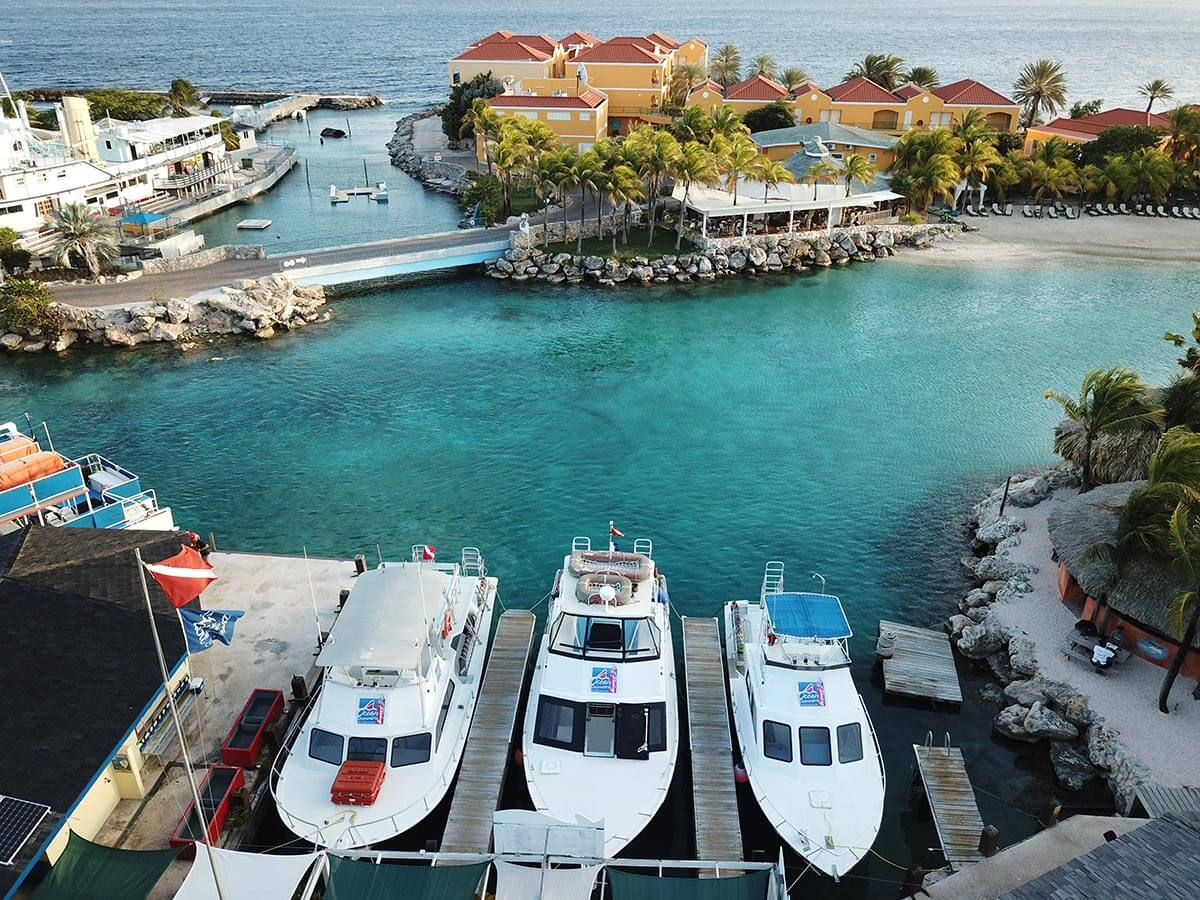 Ocean Encounters operates Curaçao's largest and best-equipped fleet of fast, twin-engine dive boats.
