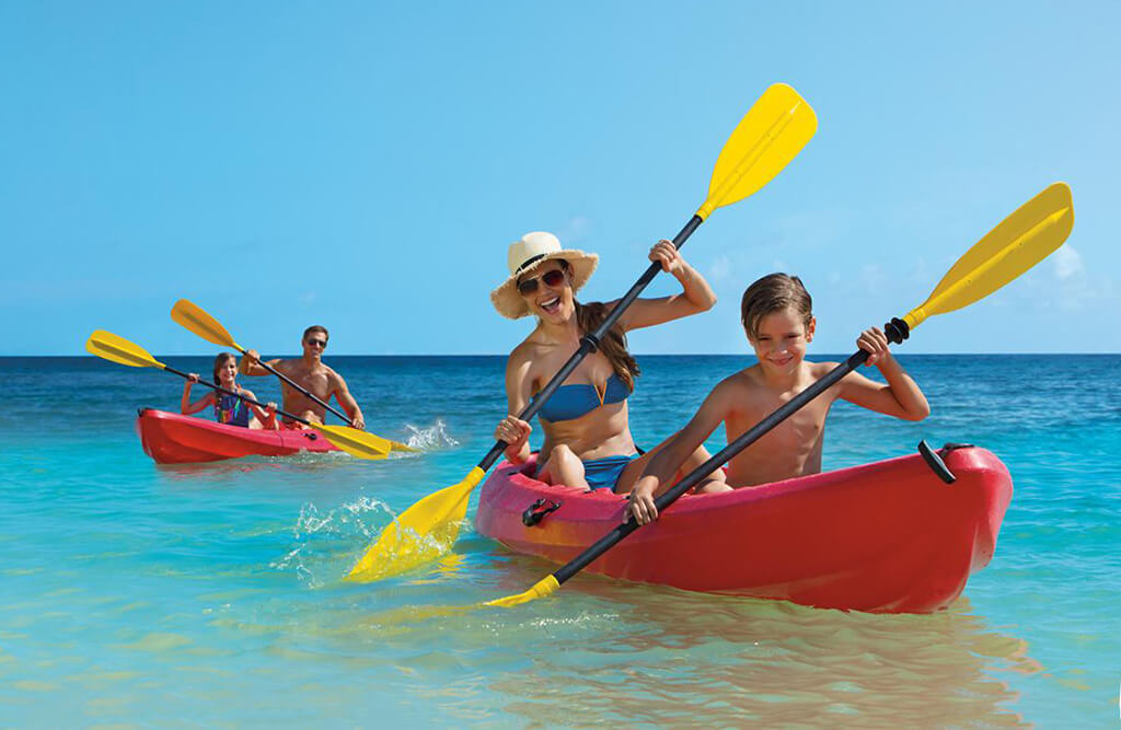Families can enjoy a wide range of water sports and land activities at Sunscape Sabor.