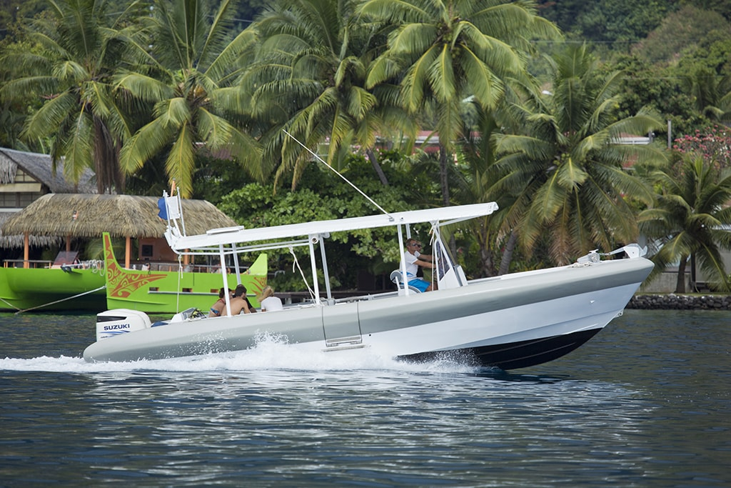 Fluid's Zebubbles lunch provides fast, comfortable transport to dive sites.
