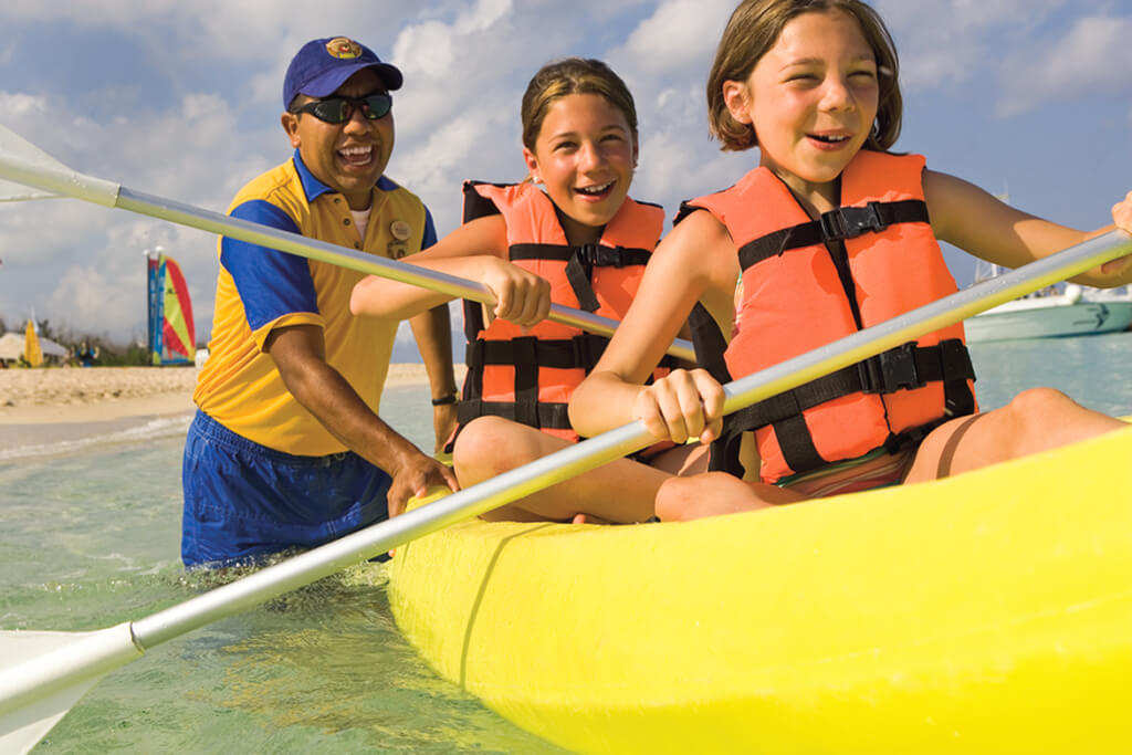 Allegro Cozumel offers daily Kid's Club programs and supervised water sports.