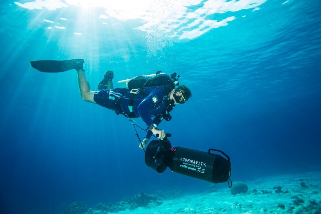 Buddy Dive Tek German Arango demonstrates a SubGravity DPV.