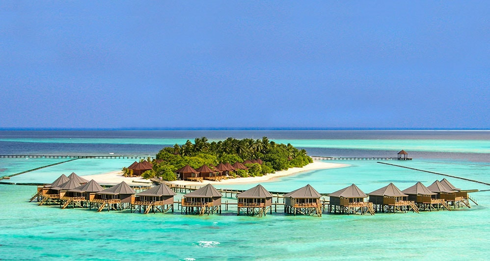 Resorts in the Maldives are often set on small private islands, and are surrounded by sandbars and shallow reefs.