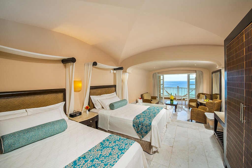 All rooms at the Palace have ocean views and balconies.