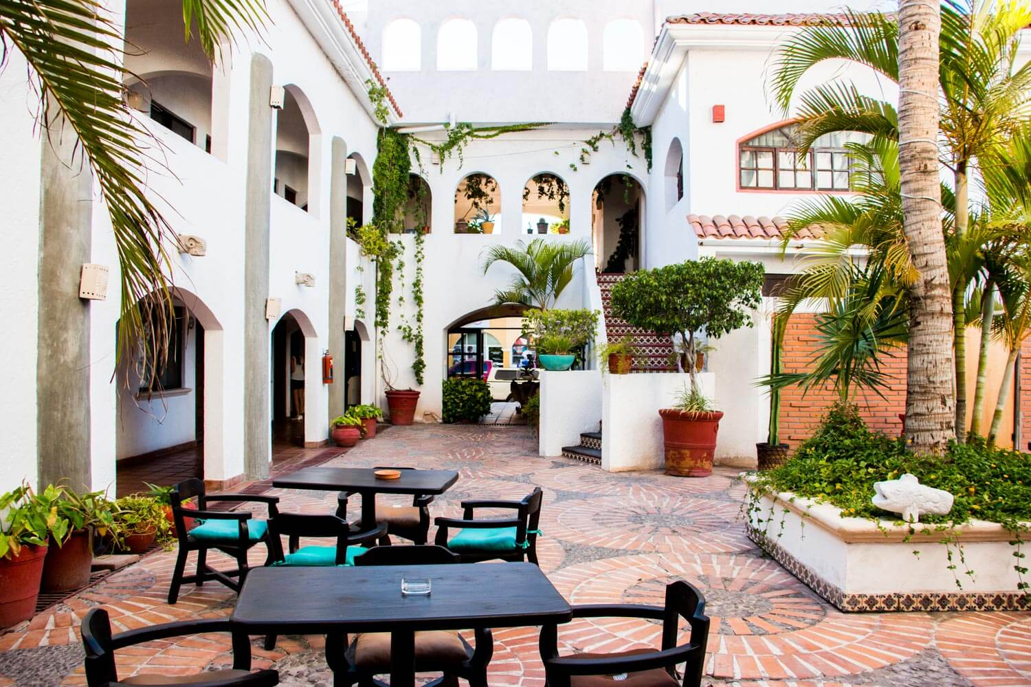 The courtyard of the Hotel Plaza Loreto.