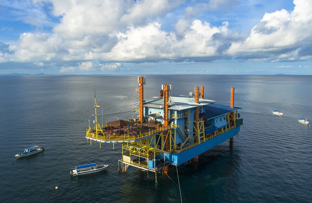 The Seaventures Dive Rig is a base for trips to nearby Sipadan, and it sits atop a collection of natural and artificial reefs that are a macro hunters paradise.