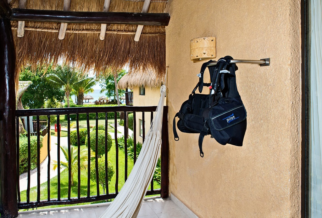 The Ultimate Dive Experience puts divers in Superior Premium rooms located close to the beach and dive center.