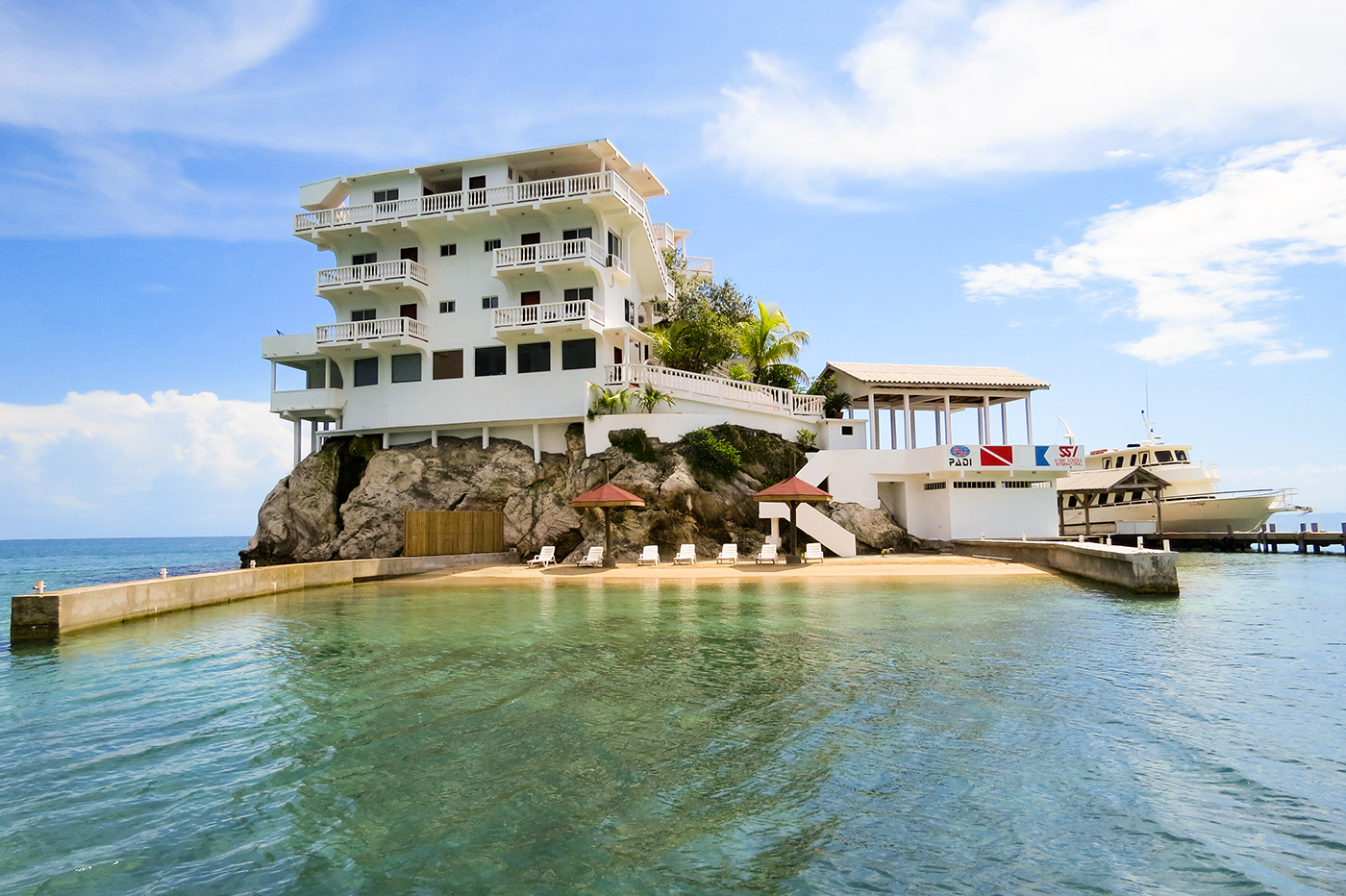 Dunbar Rock has a small beach, which provides swimmers and snorkelers with easy access to the extensive shallow lagoon that surrounds the resort.