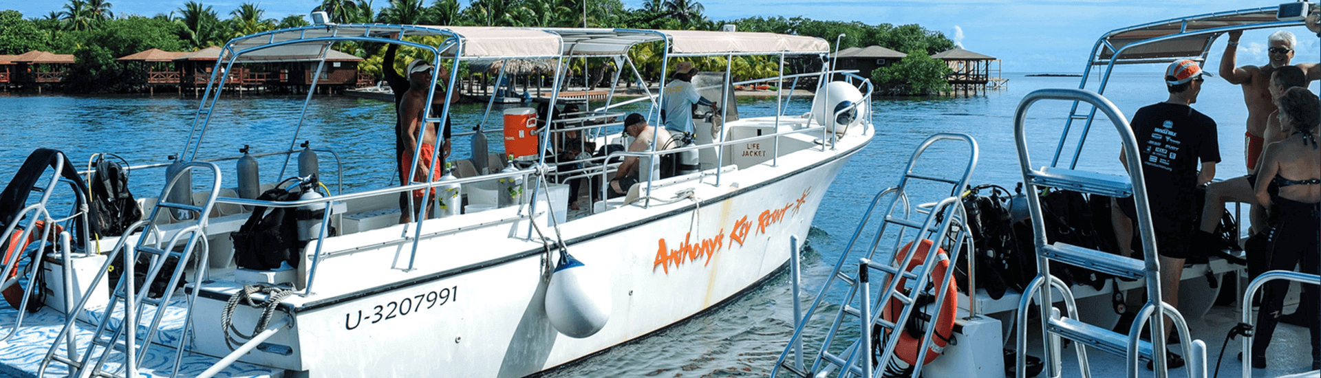 There are more than 200 dive sites on the island of Roatan, and Anthony's Key is the best place to begin exploring the island's underwater treasures.