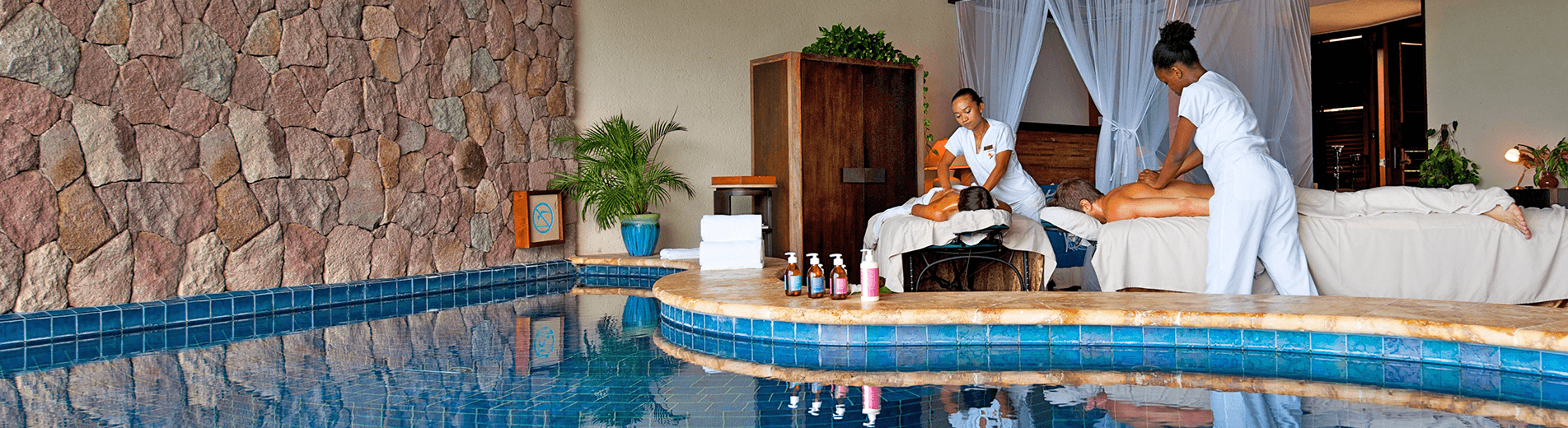 At Jade Mountain you can choose from a carefully selected menu of spa treatments that offer classical body and beauty treatments, as well as Ayurveda and holistic services. An island getaway isn't complete without a return to wellness.