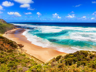Australia's extensive coastline serves up all kinds of idylic scenery and dive experiences